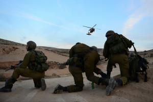 Soldaten der Nahal-Brigade der IDF bei einer Rettungsübung mit der Einheit 669.  Bild: IDF/ Pvt. Alexi Rosenfeld, IDF Spokesperson's Unit Bildlizenz