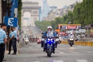 Ankunft der Tour de France auf dem Champs-Elysées im Juli 2014. Bild: : Mjr F. Balsamo©Sirpa-gendarmerie/Facebook