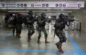 Anti-Terror-Übung in einer U-Bahnstation zur Vorbereitung auf die Spiele in Rio. Bild: Verteidigungsministerium Brasiliens/Twitter