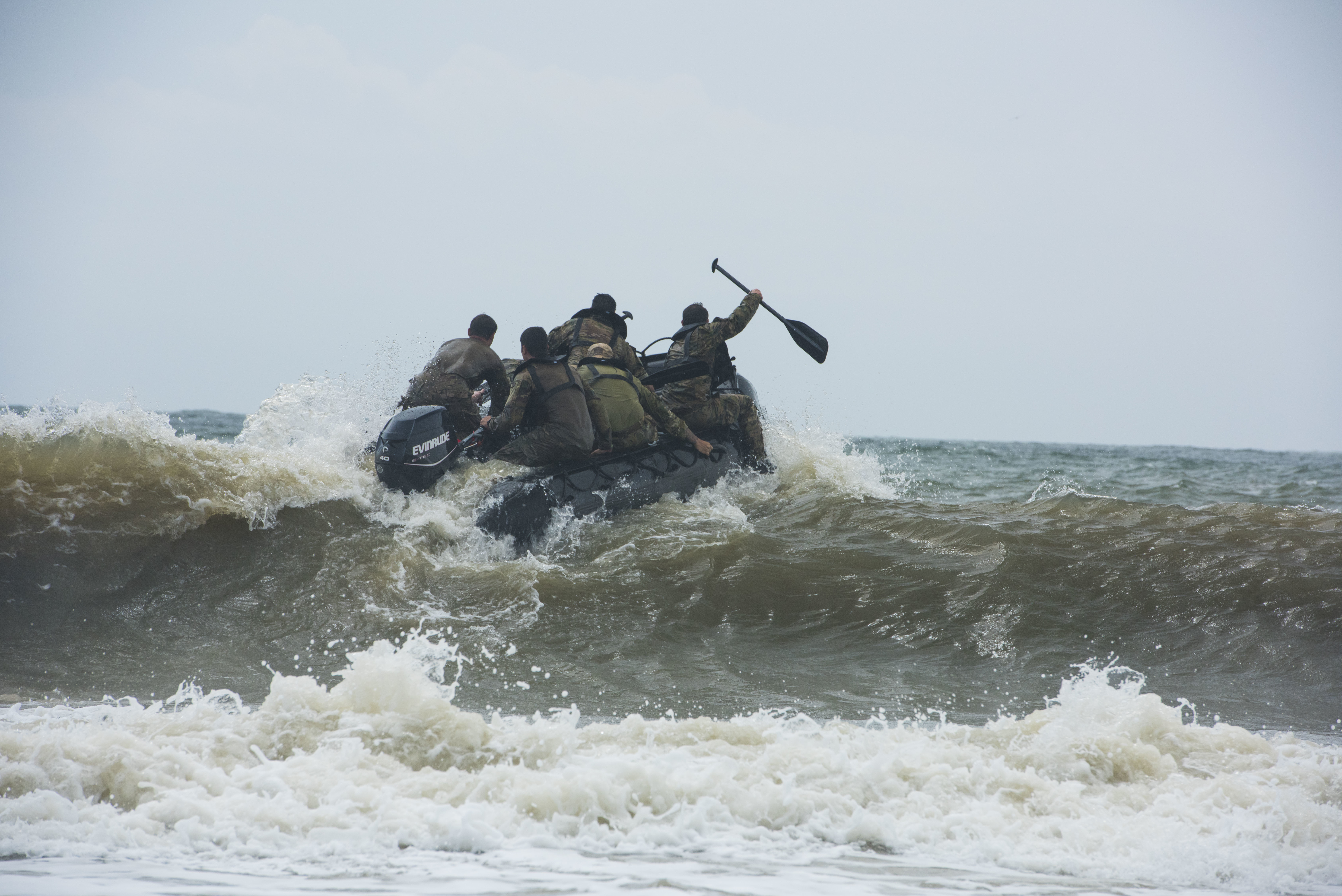 Heavy seas don't stop National Guard SF combat divers